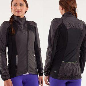 Size 8 - Lululemon Presta Packable Shirket